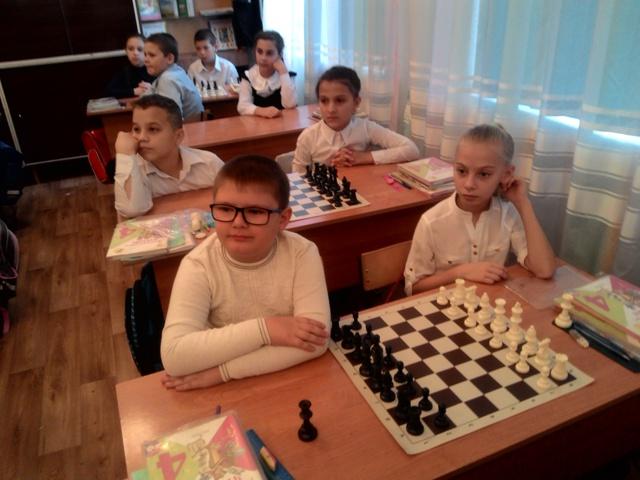 Картинки по запросу фото шахматная школа Виктора Барского